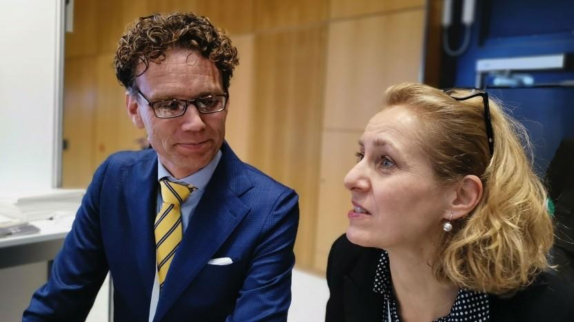 ZTE-Vize-Deutschlandchef Bas Zwartkruis und -Sprecherin Susanne Baumann