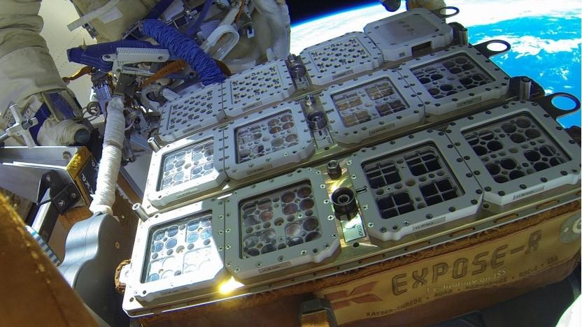 Biomex-Projekt: Plattform mit Mikroorganismen auf der ISS (im Oktober 2014)