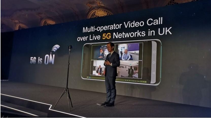 5G-Videocall mit drei britischen Netzbetreibern