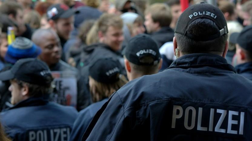 Berliner Datenschutzbeauftragte kritisiert Polizei.