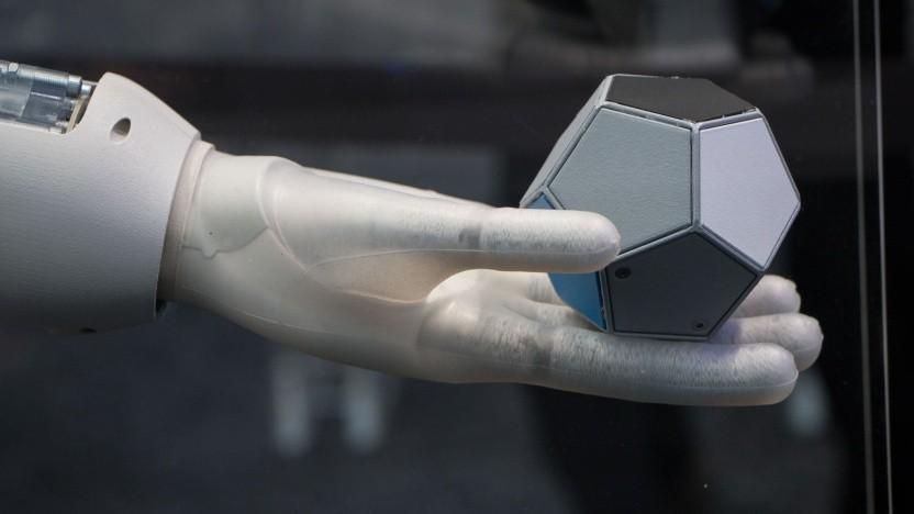 Greifer Bionic Softhand von Festo: Mit KI trainiert