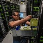 Glow: Facebook legt Compiler für KI-Beschleuniger offen