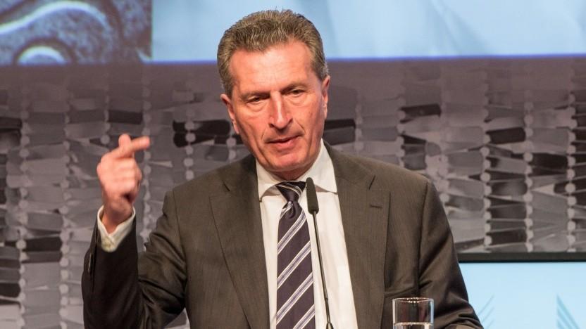"""EU-Kommissar Günther Oettinger: """"Dass wir der Musik hinterherlaufen, ist unbestritten."""""""