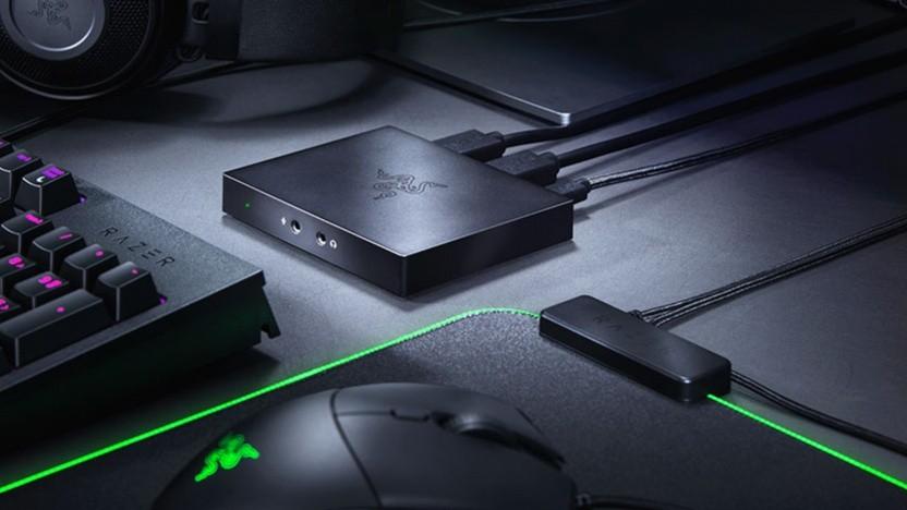Die Box wird per HDMI und USB an zwei Rechner angeschlossen.