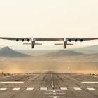 Stratolaunch: Größtes Flugzeug der Welt fliegt ins Nirgendwo