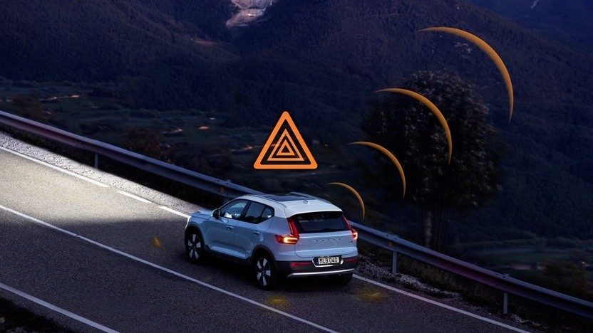 Hazard Light Alert - Demonstration im Volvo XC40