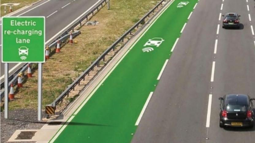 Straße mit Ladespur für Elektroautos (Symbolbild): Vor allem Busse und Lkw profitieren davon.