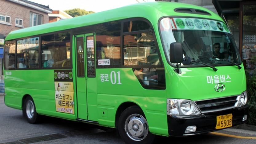 Diese Kleinbusse des ÖPNV sollen durch E-Busse ersetzt werden.