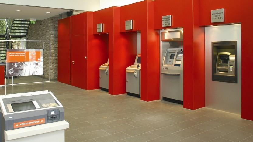Eine Sparkassenschalterhalle (Symbolbild)