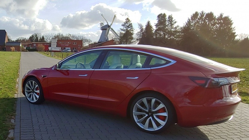 Ein Tesla-Elektroauto