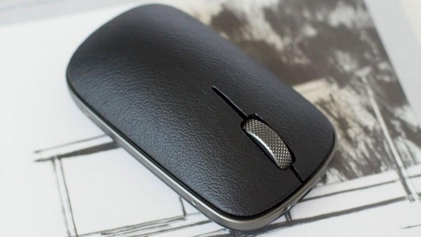 Die Retro Classic Mouse von Azio im Gunmetal-Finish