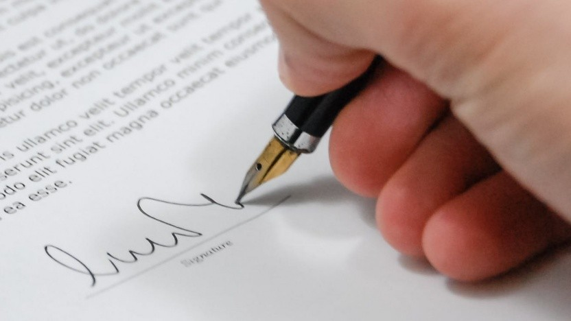 Die Signaturen sind sicher? Anscheinend nicht. Viele Mailprogramme patzen bei der Überprüfung und lassen sich austricksen.