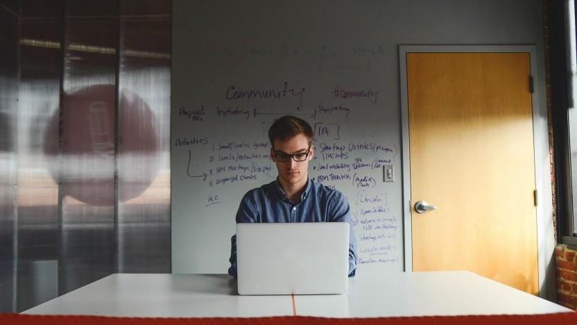 Mehr Geld als Selbstständiger? Als Freiberufler können sich IT-Fachleute unter anderem die Gewerbesteuer sparen.
