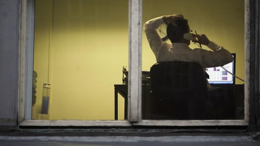 Wer viel allein arbeitet, sollte zwischendurch zumindest mal mit den Kollegen telefonieren.