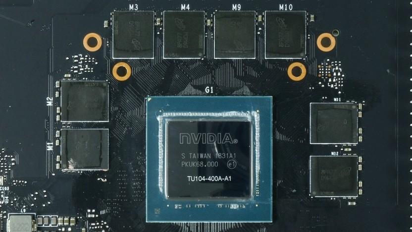 TU104-Chip auf einer Geforce RTX 2080