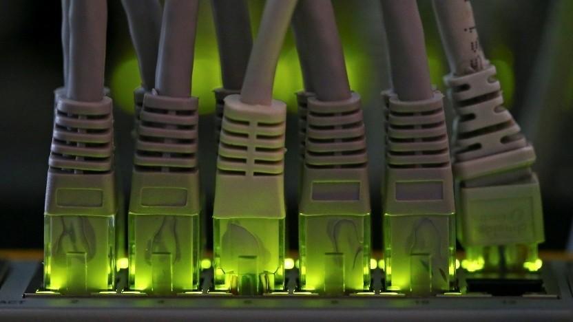 Mehrere Provider lassen die Kommunikationsdaten ihrer Kunden auf Vorrat speichern.