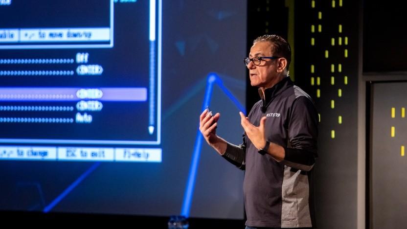 Intel Vice President Imad N. Sousou stellt ModernFW und andere Initiativen von Intel auf dem OSTS vor.