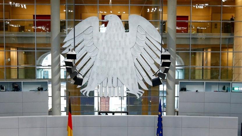 Der Bundestag wollte Erklärungen zu den Twitter-Sperrungen.
