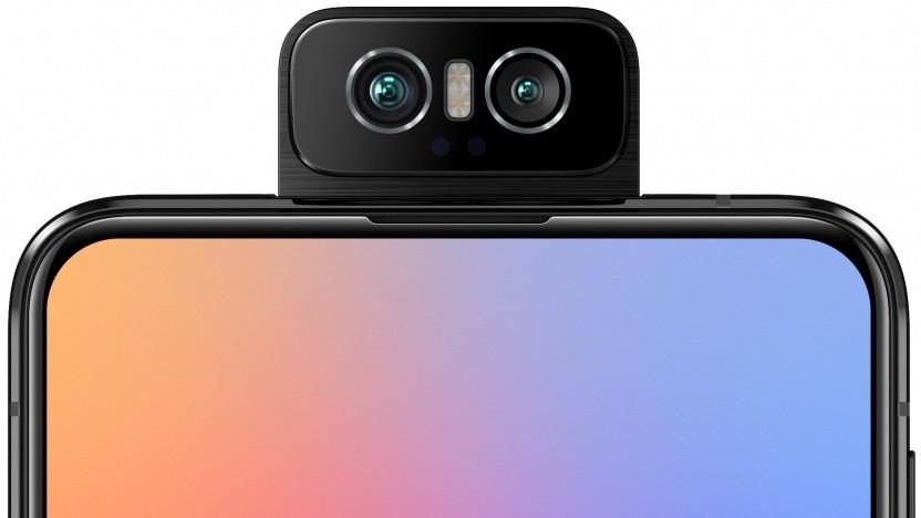 Das Zenfone 6 von Asus mit nach vorne geklappter Kamera