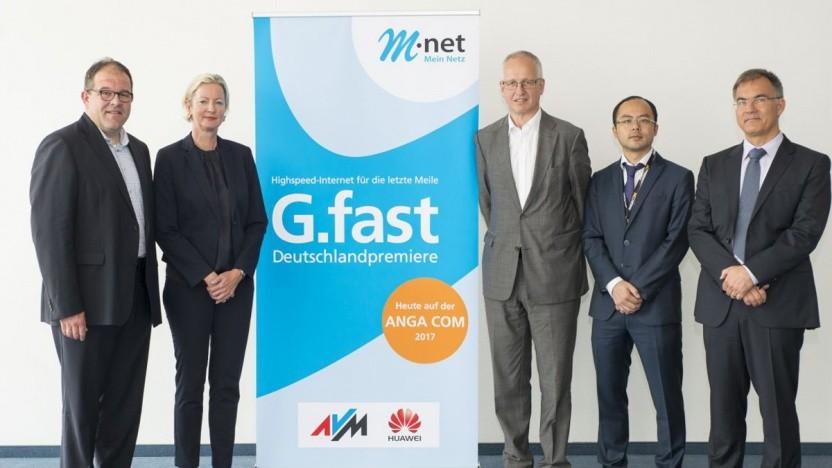 Vorstellung des G.fast-Projekts im Jahr 2017; von links: Michael Fränkle (M-net), Dorit Bode (M-net), Walter Haas (Huawei Deutschland)