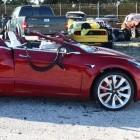 Versicherung: Fahrer von teuren Elektroautos häufig in Unfälle verwickelt