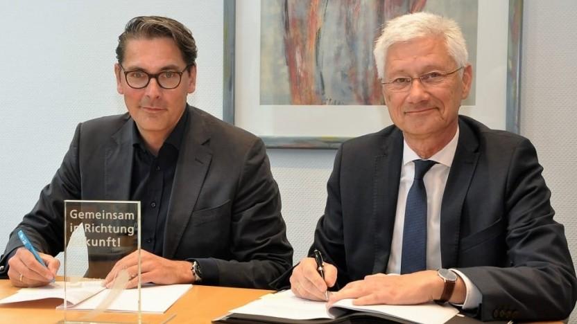 Uwe Nickl, Chef Deutsche Glasfaser und Wolfgang Spreen, Landrat Kreis Kleve