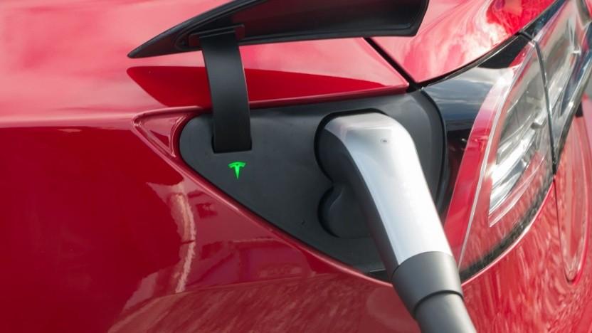 Aufladen eines Tesla Model 3
