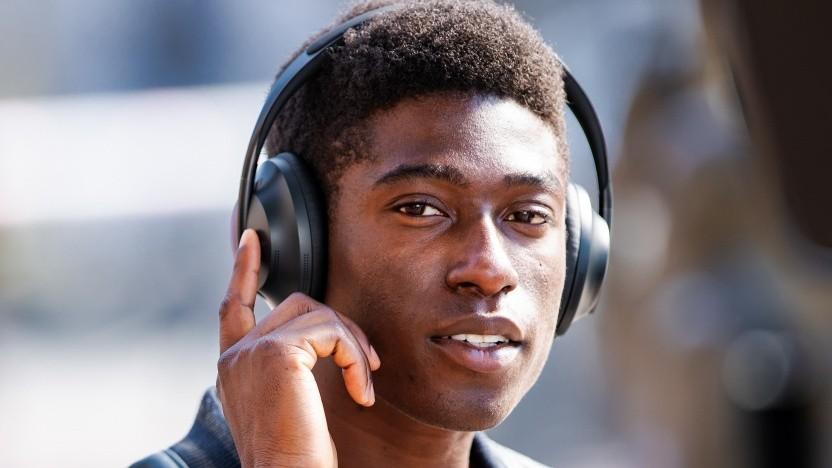 Noise Cancelling Headphones 700