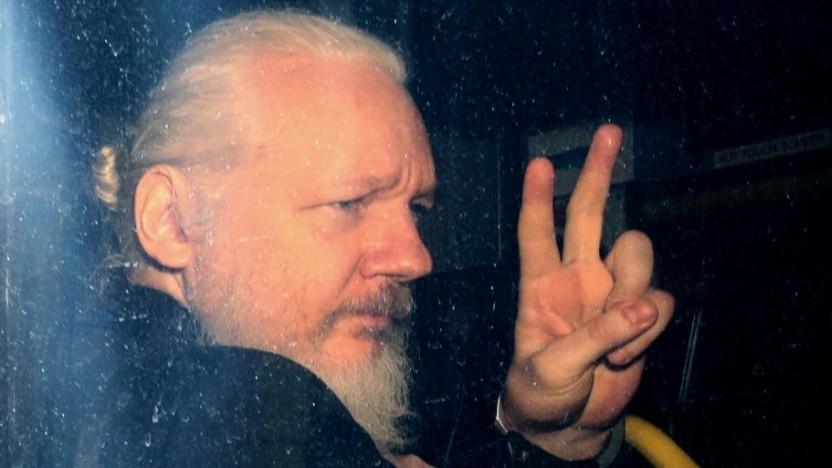 Julian Assange bei seiner Festnahme am 11. April