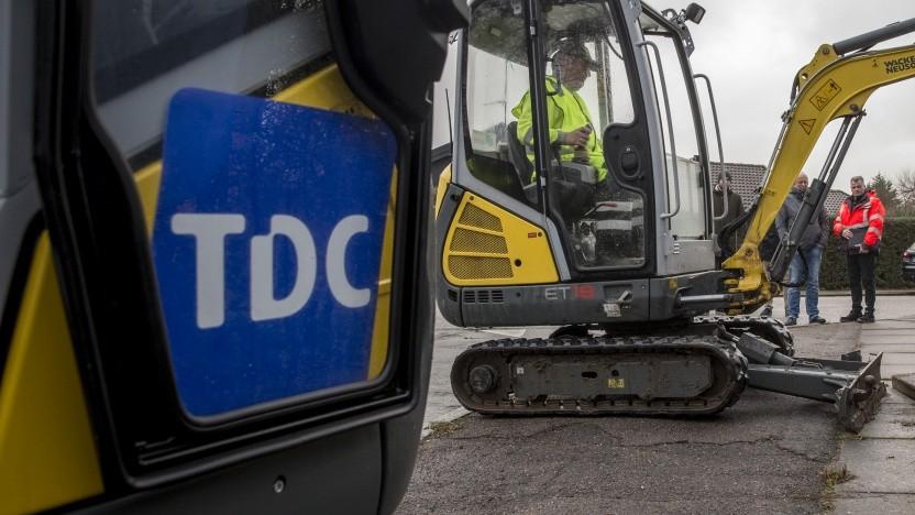 TDC verlegt Glasfaser.