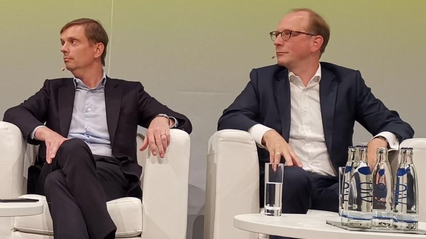 Links im Bild: Timm Degenhardt (Tele Columbus) und Timo von Lepel, Geschäftsführer von Netcologne