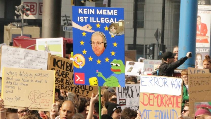 Trotz großer Proteste tritt die EU-Urheberrechtsreform nun in Kraft.