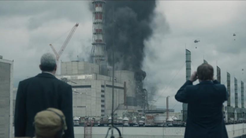 Szene aus der Serie Chernobyl zeigt die Explosion des Tschernobyl-Reaktors.
