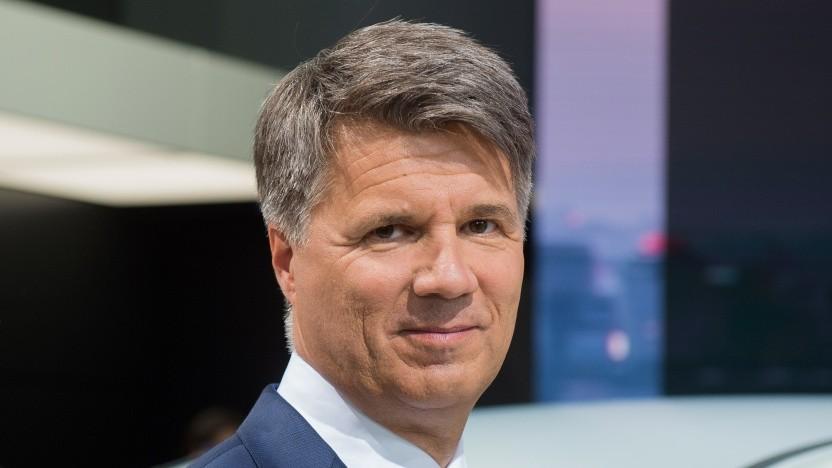 BMW-Chef Harald Krüger verlangt vom Staat mehr Anstrengungen für E-Autos.