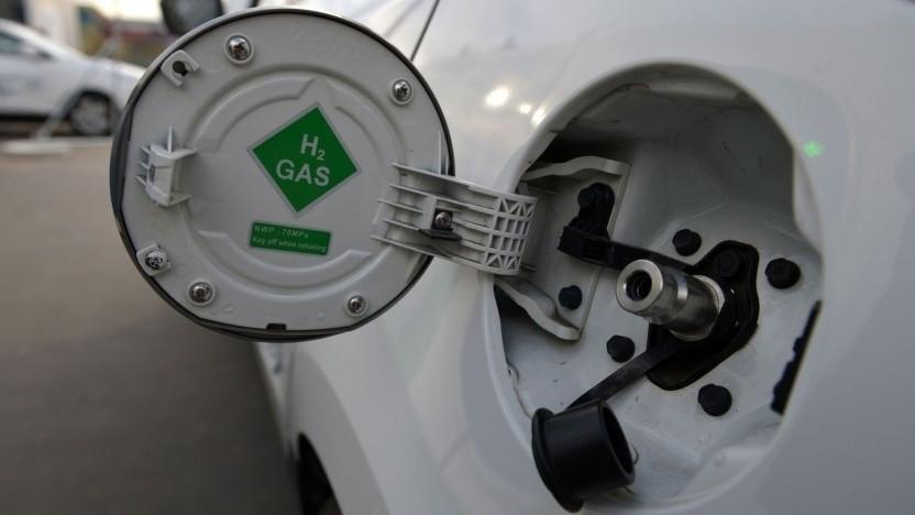 Tank eines Brennstoffzellenautos (Symbolbild): Ältere Stationen sind nicht betroffen.
