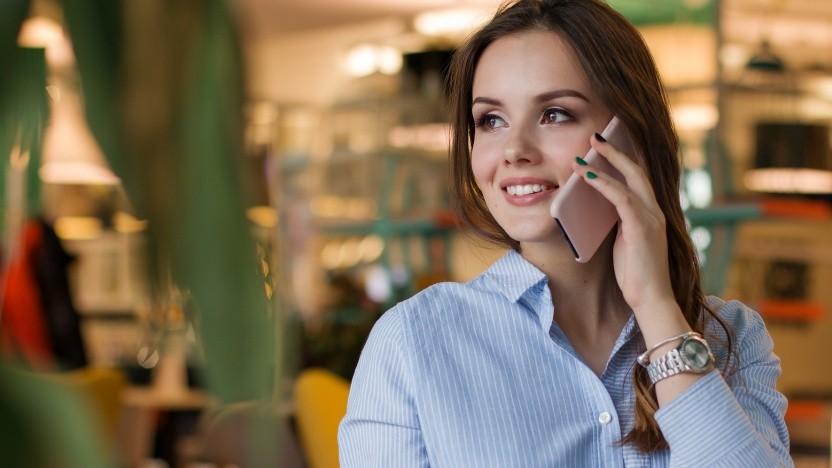 Wer einen Mobilfunkvertrag mit mehr als zwei Jahren Laufzeit hat, kann diesen kurzfristig kündigen.