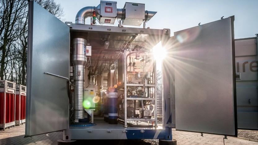 Elektrolyseanlage auf dem Wasserstofftestfeld des ZBT: in absehbarer Zukunft keine Alternative zum Wasserstoff
