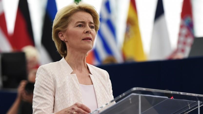 Ursula von der Leyen spricht vor dem EU-Parlament.