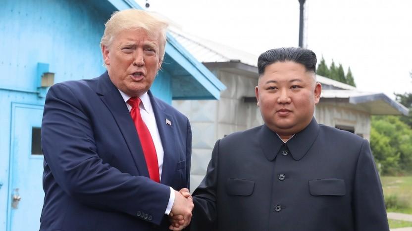Nordkoreas Führer Kim Jong-un und US-Präsident Donald Trump am 30. Juni 2019 in Panmunjom, Südkorea.