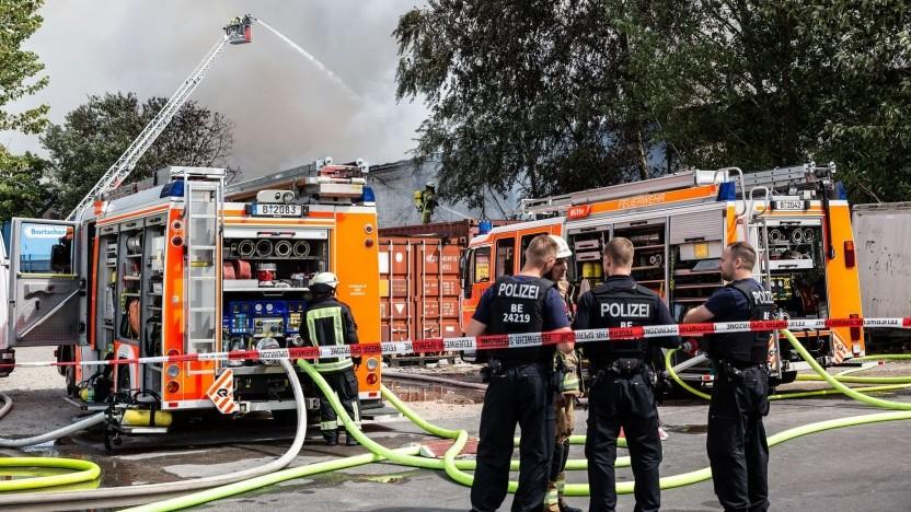 Berliner Feuerwehr im Einsatz (Symbolbild): keine alternativen Antriebe für Großfahrzeuge