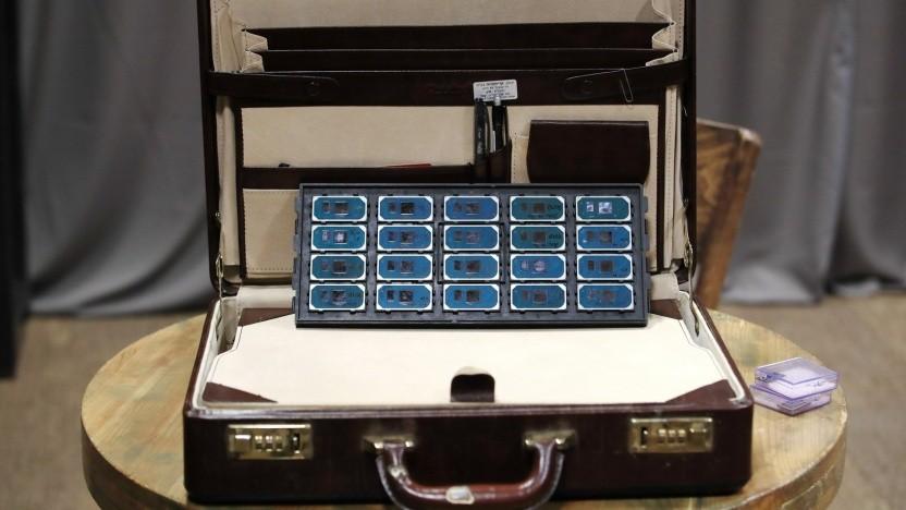 Ein Koffer voller Ice-Lake-U-Chips