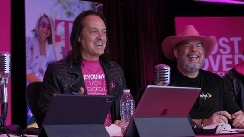 T-Mobile-Chef John Legere (links)