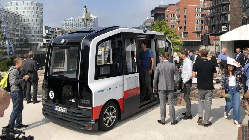 Autonomer Elektrobus Heat in Hamburg: Der Bus kommuniziert mit der Infrastruktur.