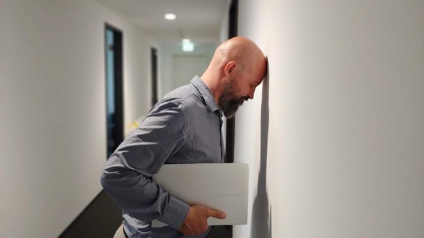 Wer im Gespräch mit dem Vorgesetzten vor Wände rennt, sollte seine Kommunikationsstrategie überprüfen.