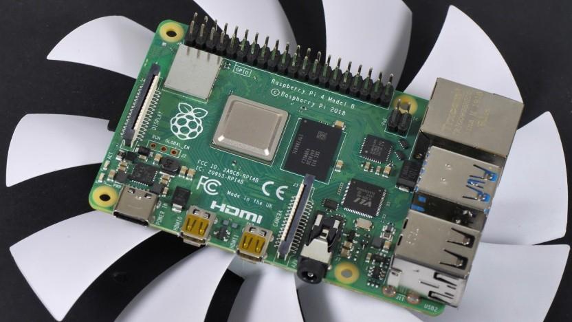 Den offiziellen Raspberry-Pi-Kits liegt keine Kühllösung bei, einen offiziellen Raspberry-Pi-Lüfter gibt es nicht.