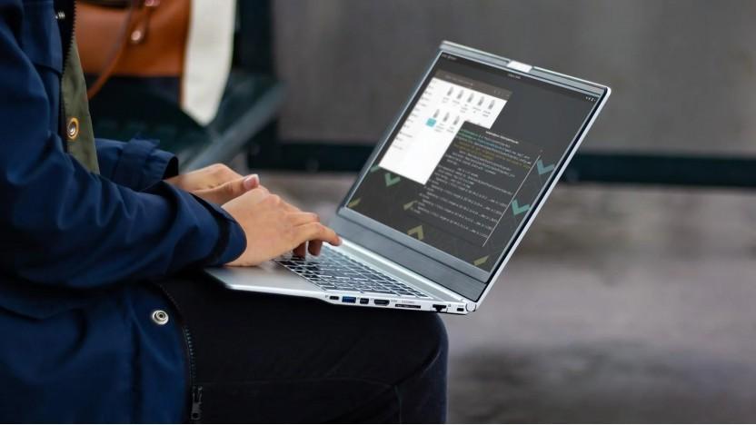 Der Laptop Darter Pro von System 76 wird mit Coreboot verteilt.