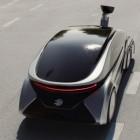 Edag Citybot: Wandelbares Auto mit Rucksackmodulen gegen Verkehrsprobleme
