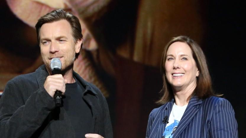 Ewan McGregor (l.) und Kathleen Kennedy (r.) stellen gemeinsam Kenobi vor.