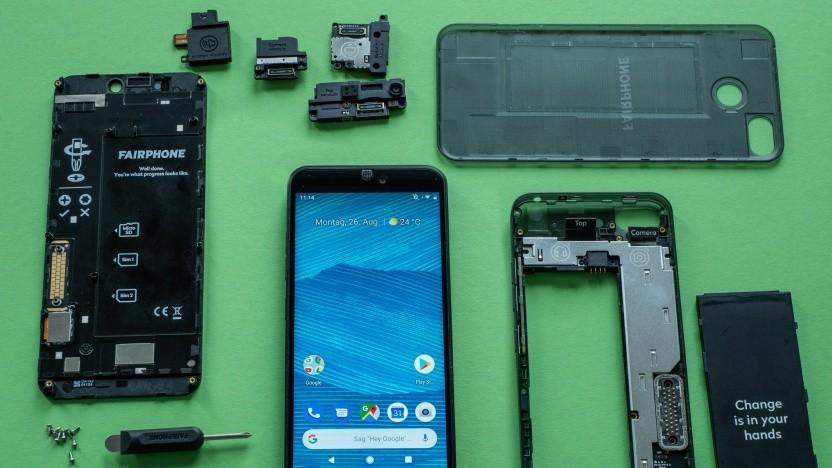 Das Fairphone 3 und seine Einzelteile