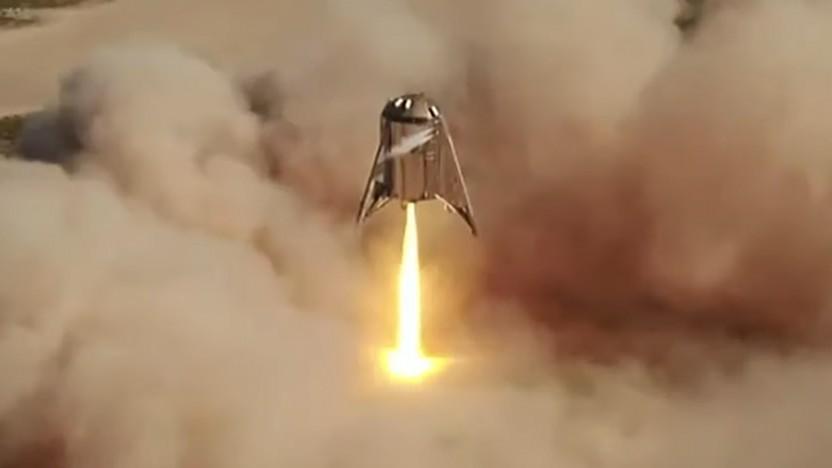 Der Starhopper kurz vor der Landung, mit aktivierten Steuerdüsen